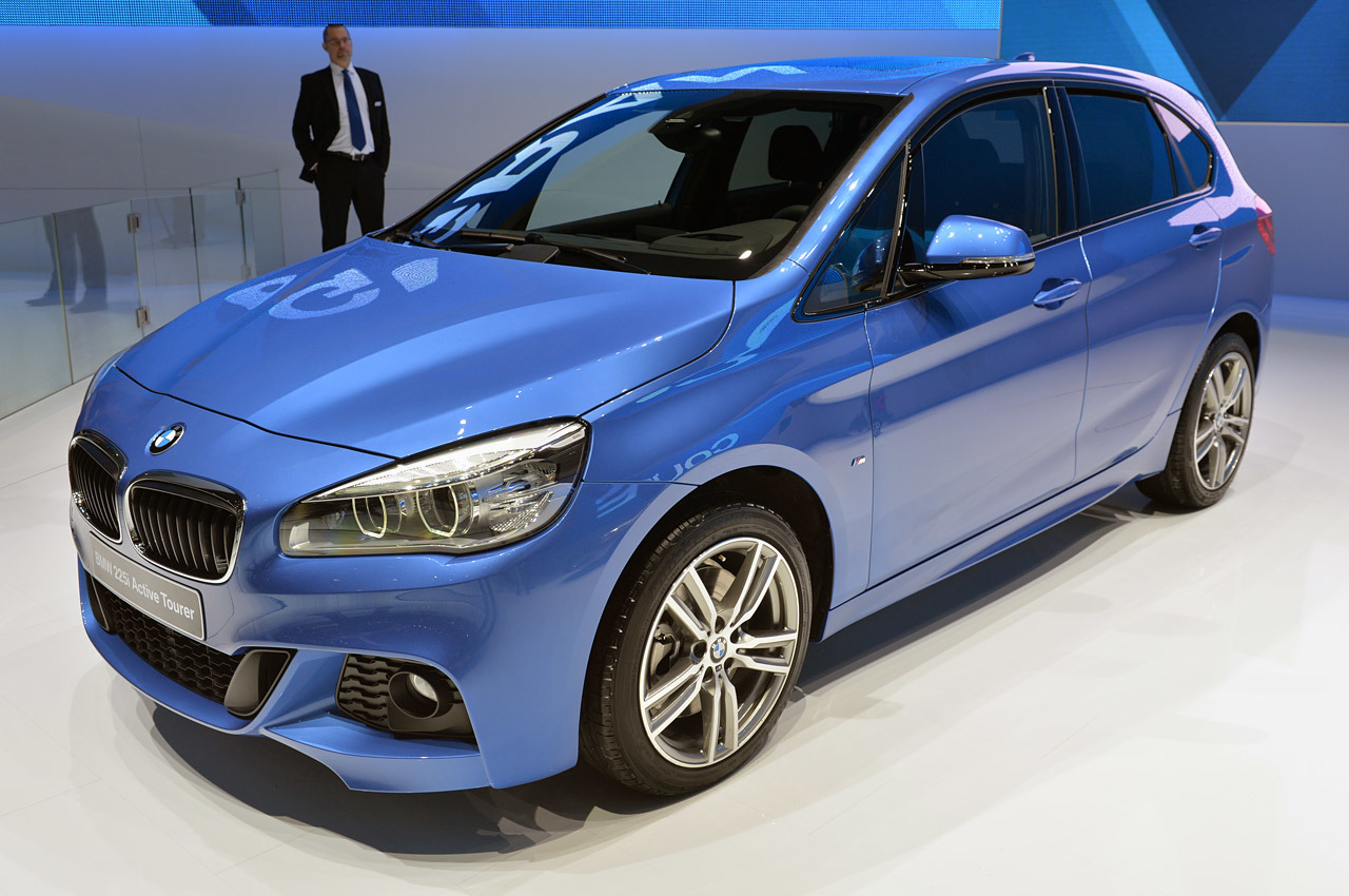 BMW 2 series Active Tourer 220d 2014 photo - 10