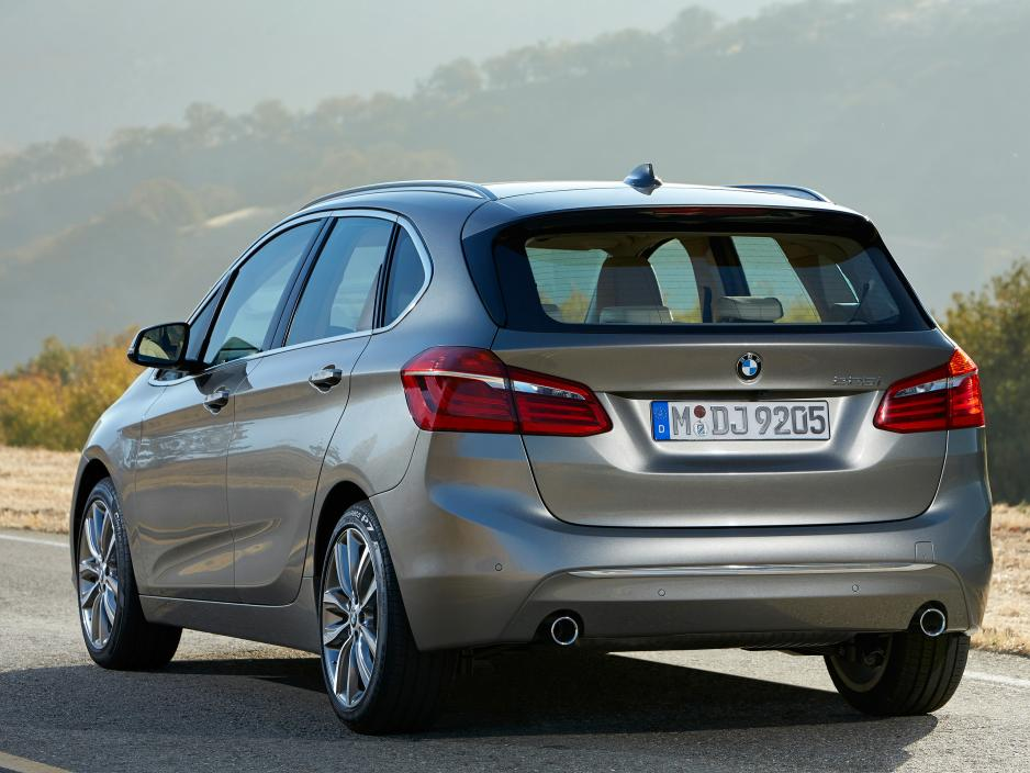 BMW 2 series Active Tourer 220d 2014 photo - 12