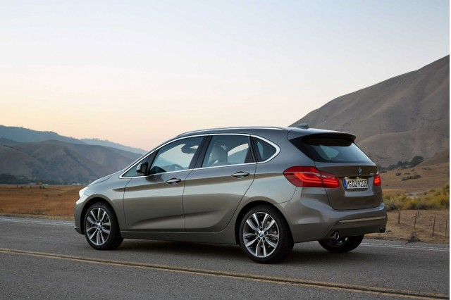 BMW 2 series Active Tourer 220d 2014 photo - 3