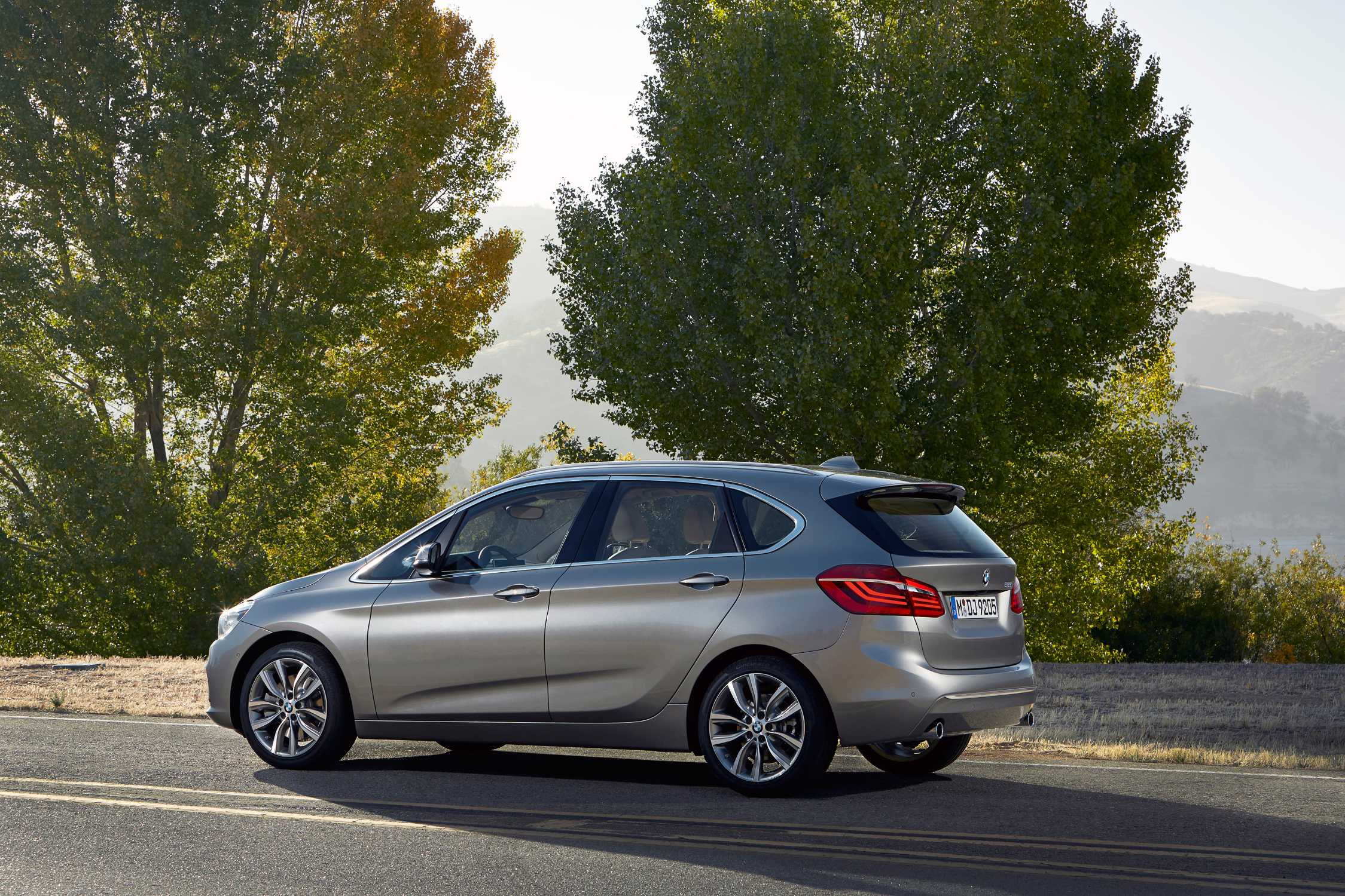 BMW 2 series Active Tourer 220i 2014 photo - 12