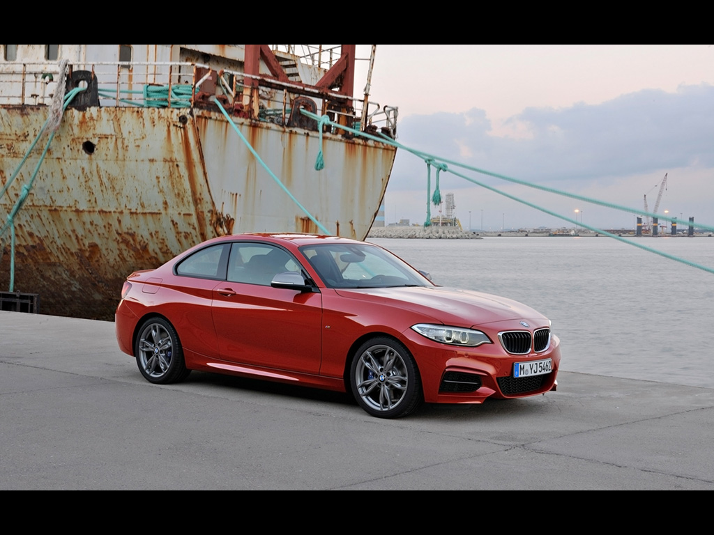 BMW 2 series M235i 2014 photo - 1