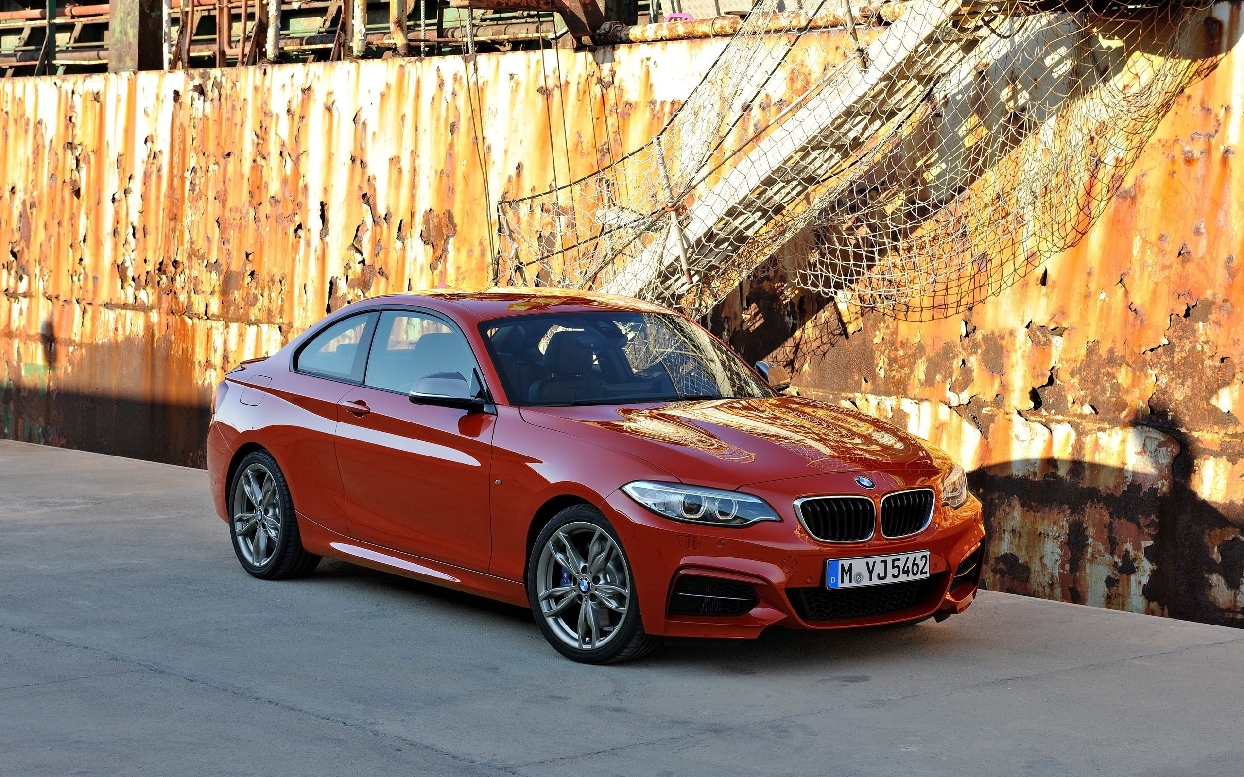 BMW 2 series M235i 2014 photo - 4