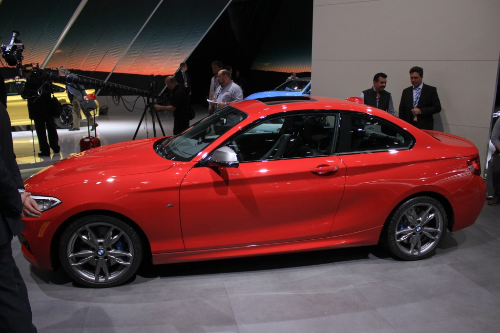 BMW 2 series M235i 2014 photo - 7