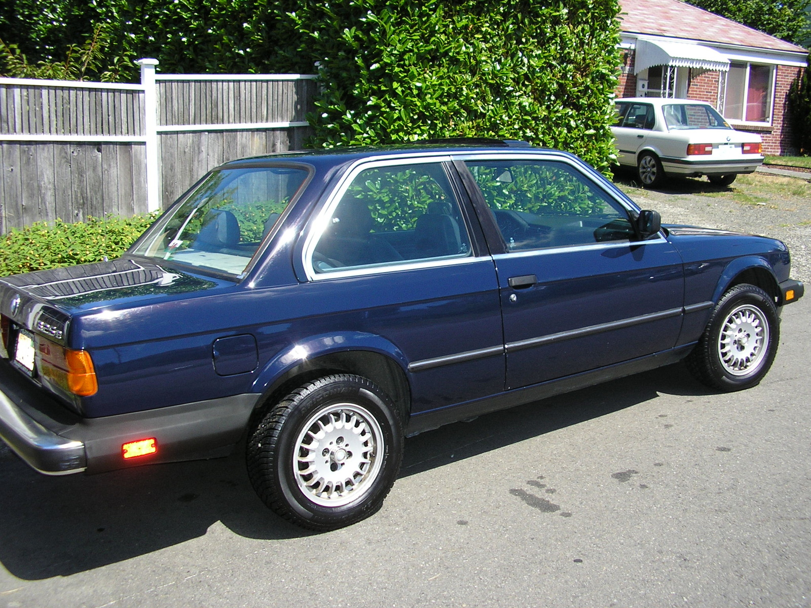 BMW 3 series 316 1984 photo - 7