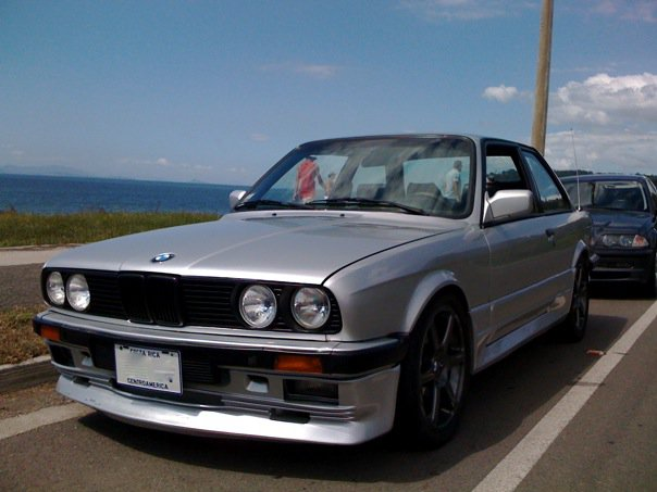 BMW 3 series 316 1985 photo - 9