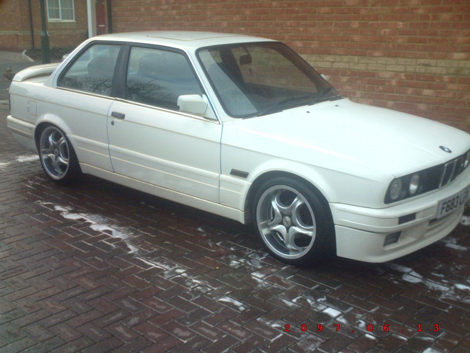 BMW 3 series 316 1988 photo - 1