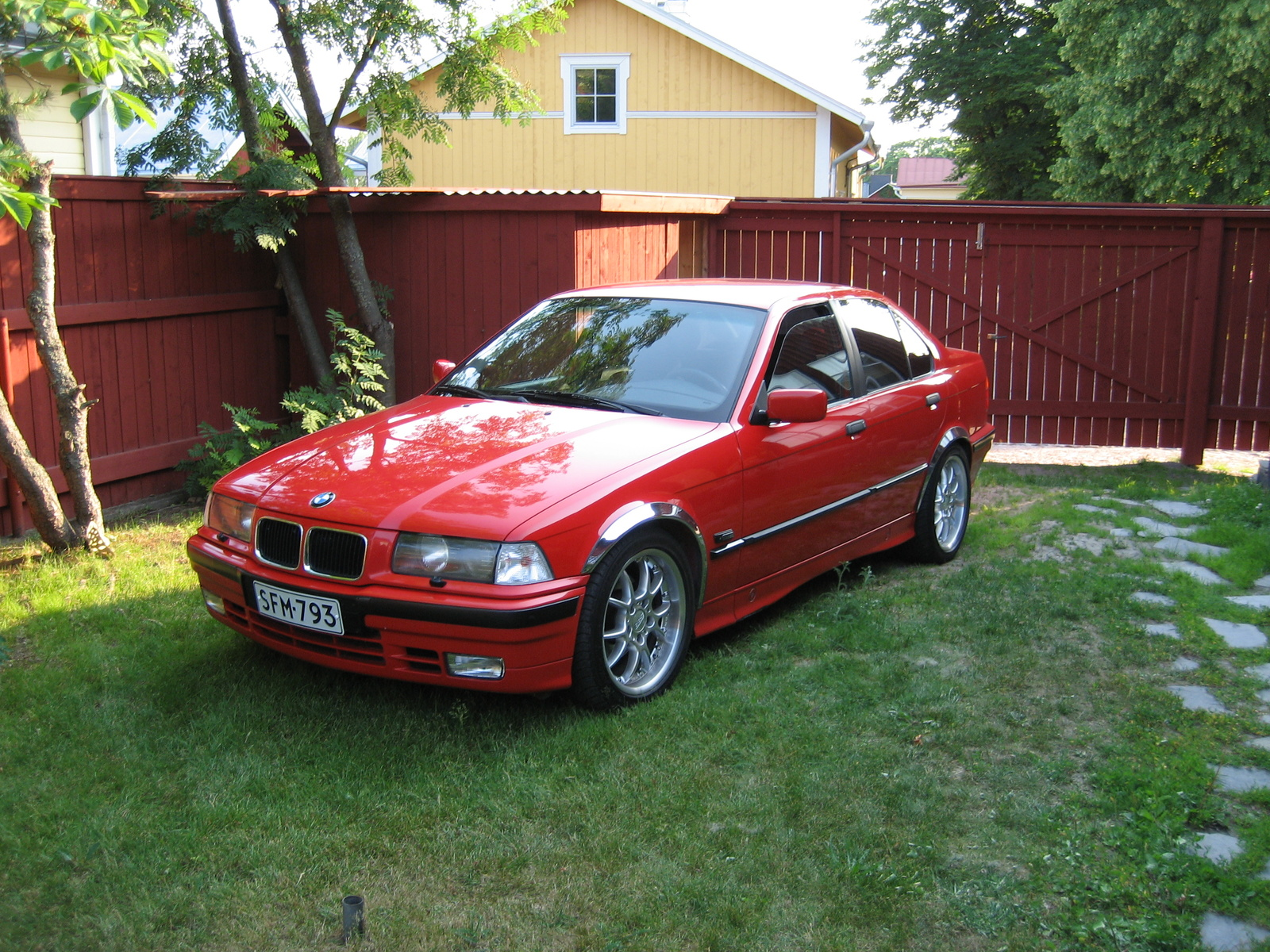 BMW 3 series 316 1990 photo - 7