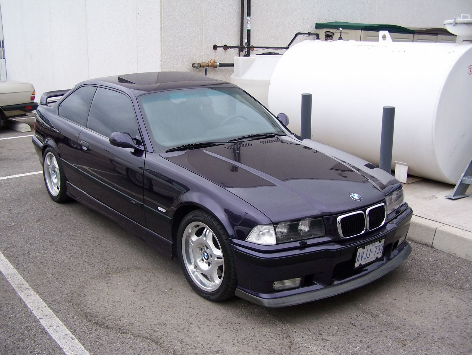 BMW 3 series 316 1990 photo - 9