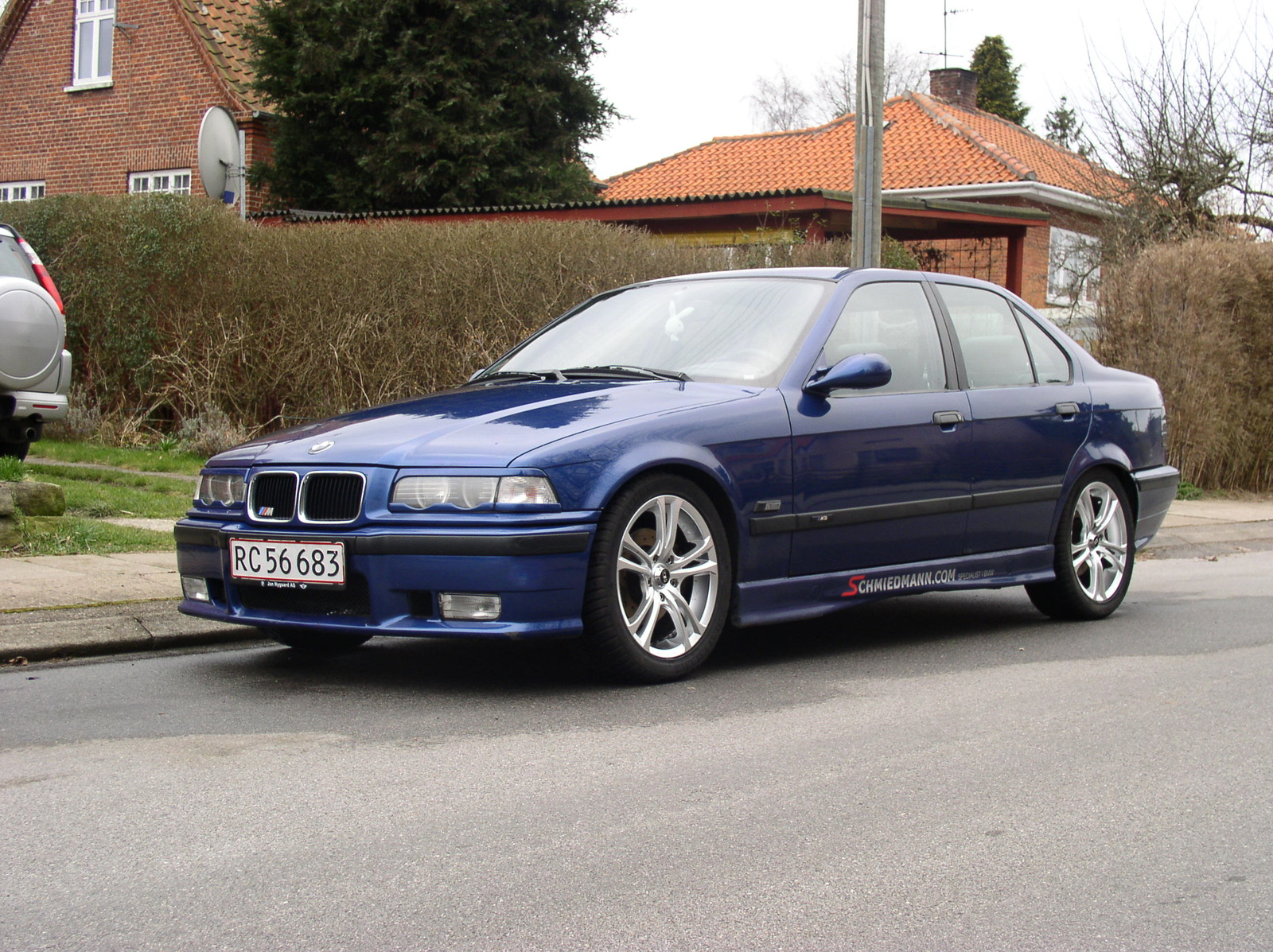 BMW 3 series 316 1992 photo - 7