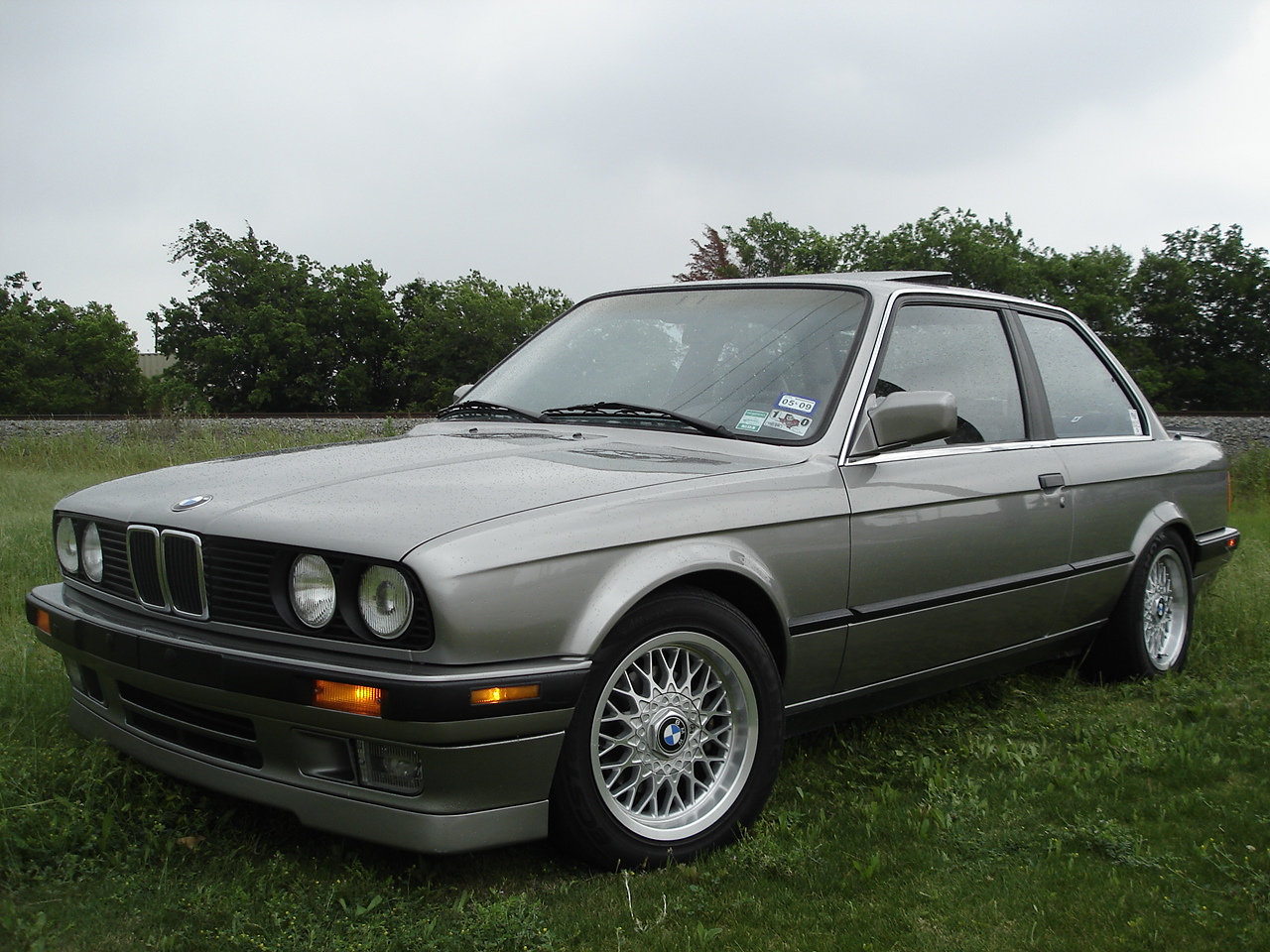 BMW 3 series 316i 1988 photo - 4