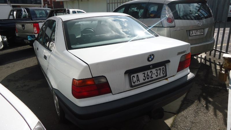 BMW 3 series 316i 1992 photo - 10