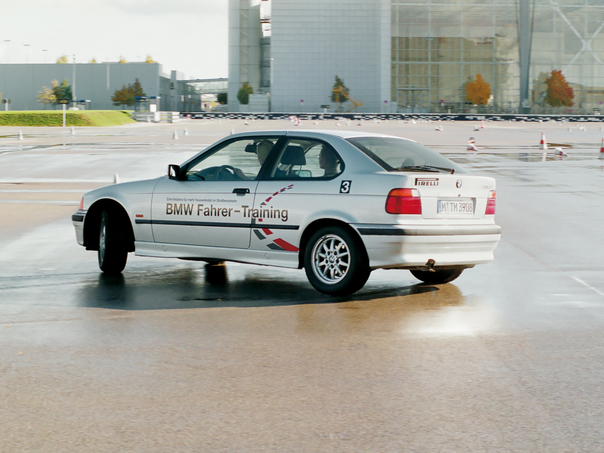 BMW 3 series 316i 1994 photo - 12
