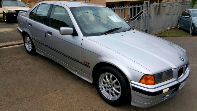 BMW 3 series 316i 1996 photo - 12