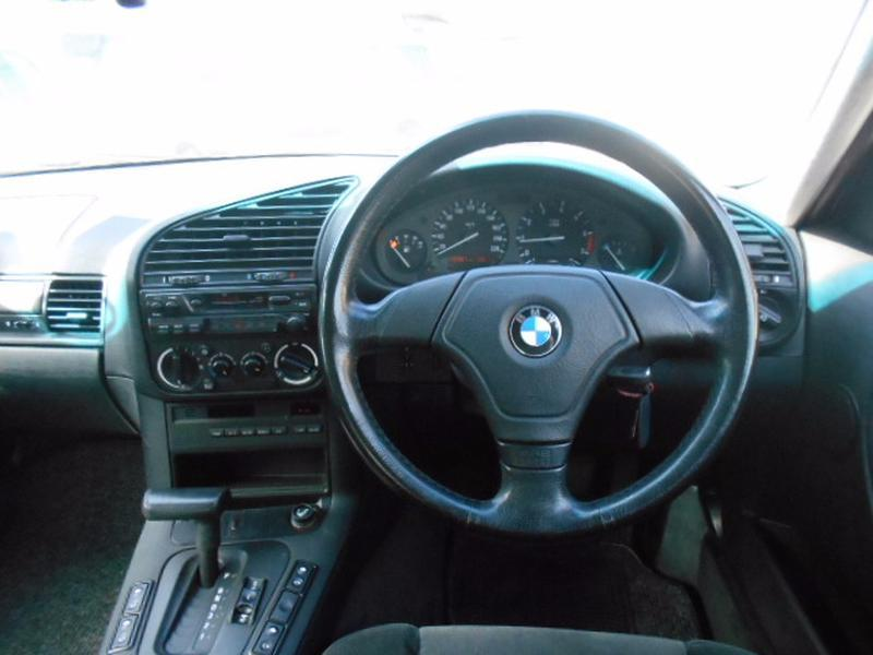 BMW 3 series 316i 1996 photo - 9