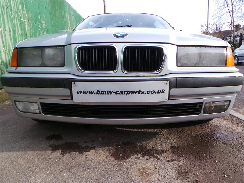 BMW 3 series 316i 1999 photo - 10