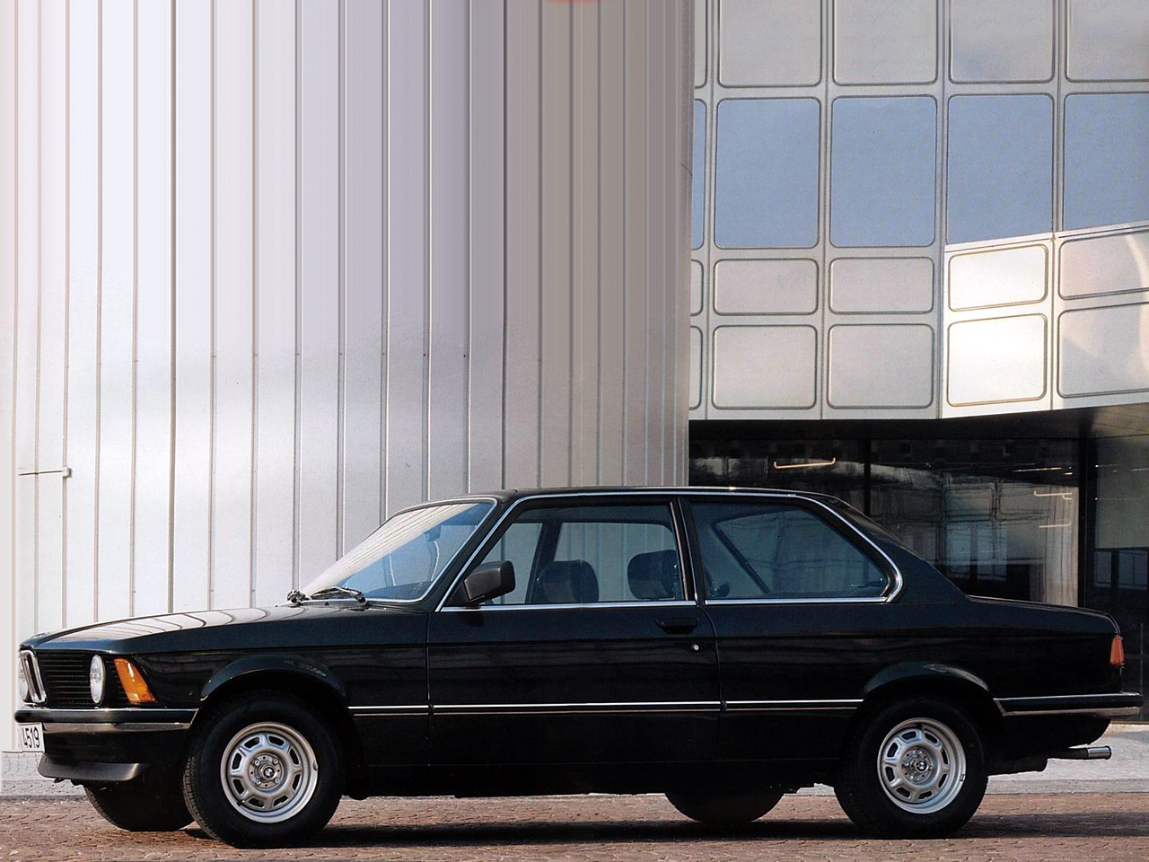 BMW 3 series 318 1975 photo - 4