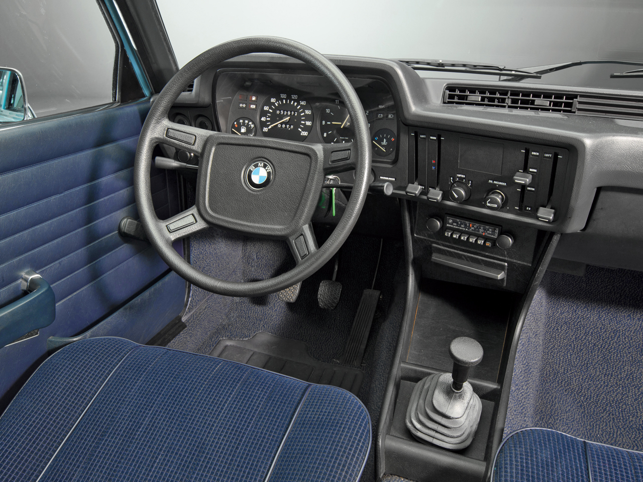 BMW 3 series 318 1975 photo - 7
