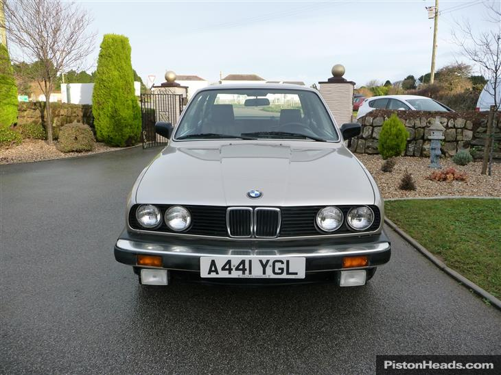 BMW 3 series 318 1983 photo - 9