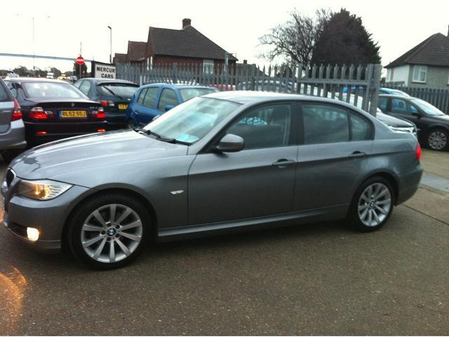 BMW 3 series 318d 2009 photo - 2