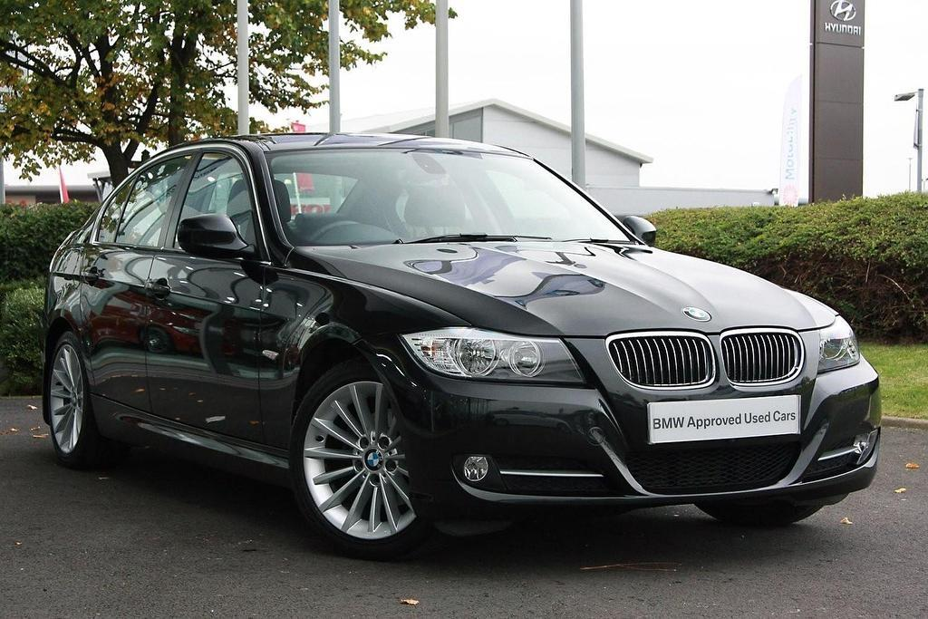 BMW 3 series 318d 2011 photo - 4