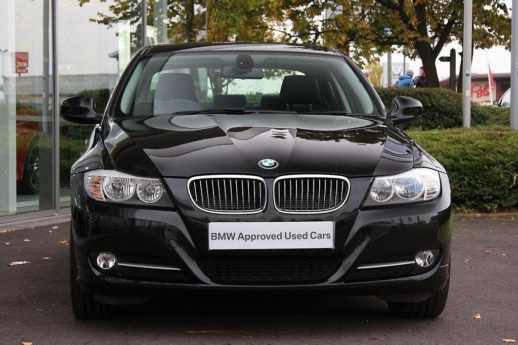 BMW 3 series 318d 2011 photo - 9