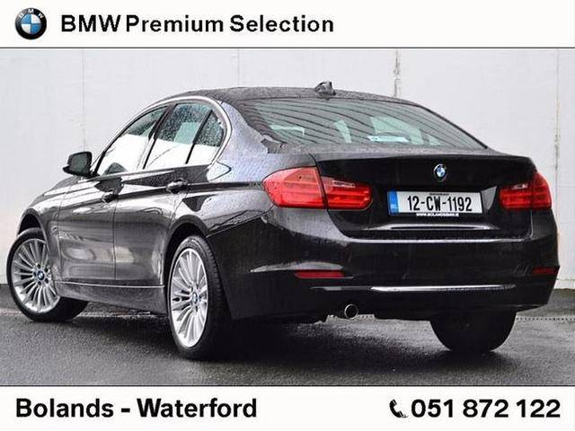 BMW 3 series 318d 2012 photo - 11