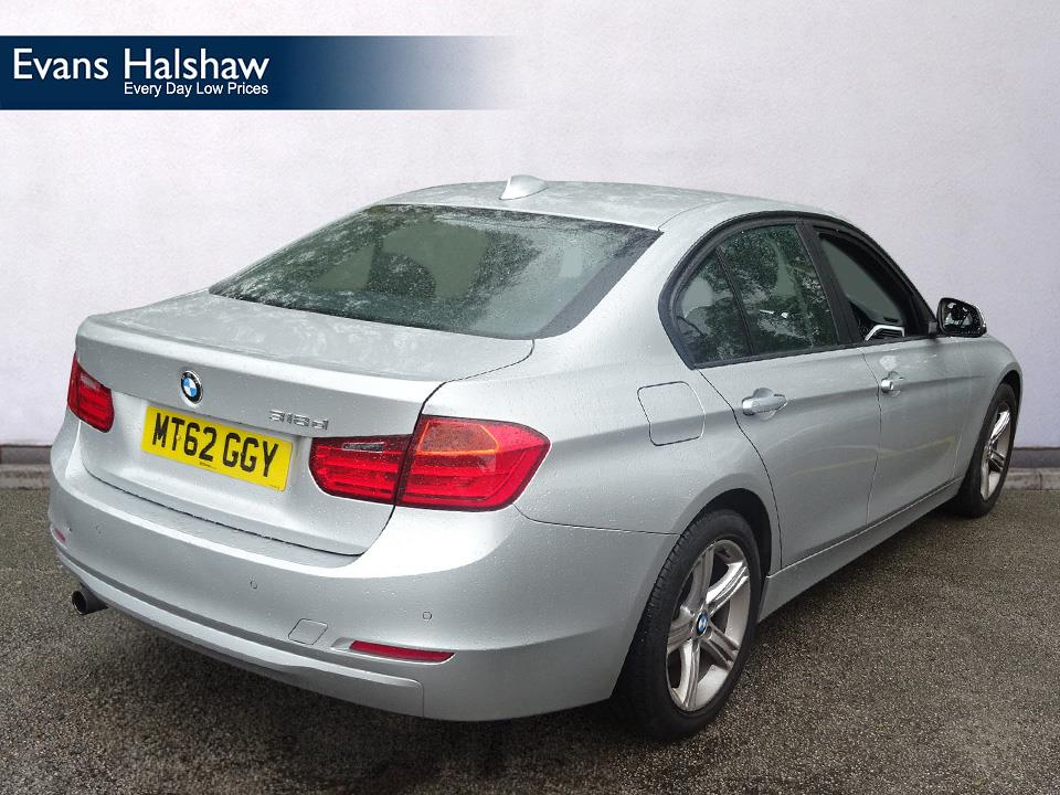 BMW 3 series 318d 2012 photo - 9