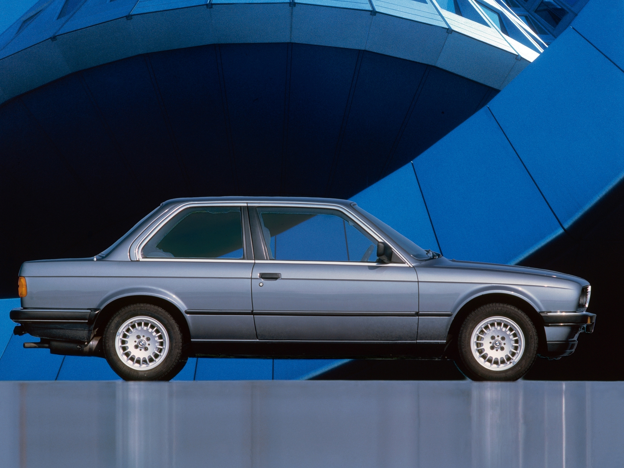BMW 3 series 318i 1982 photo - 2