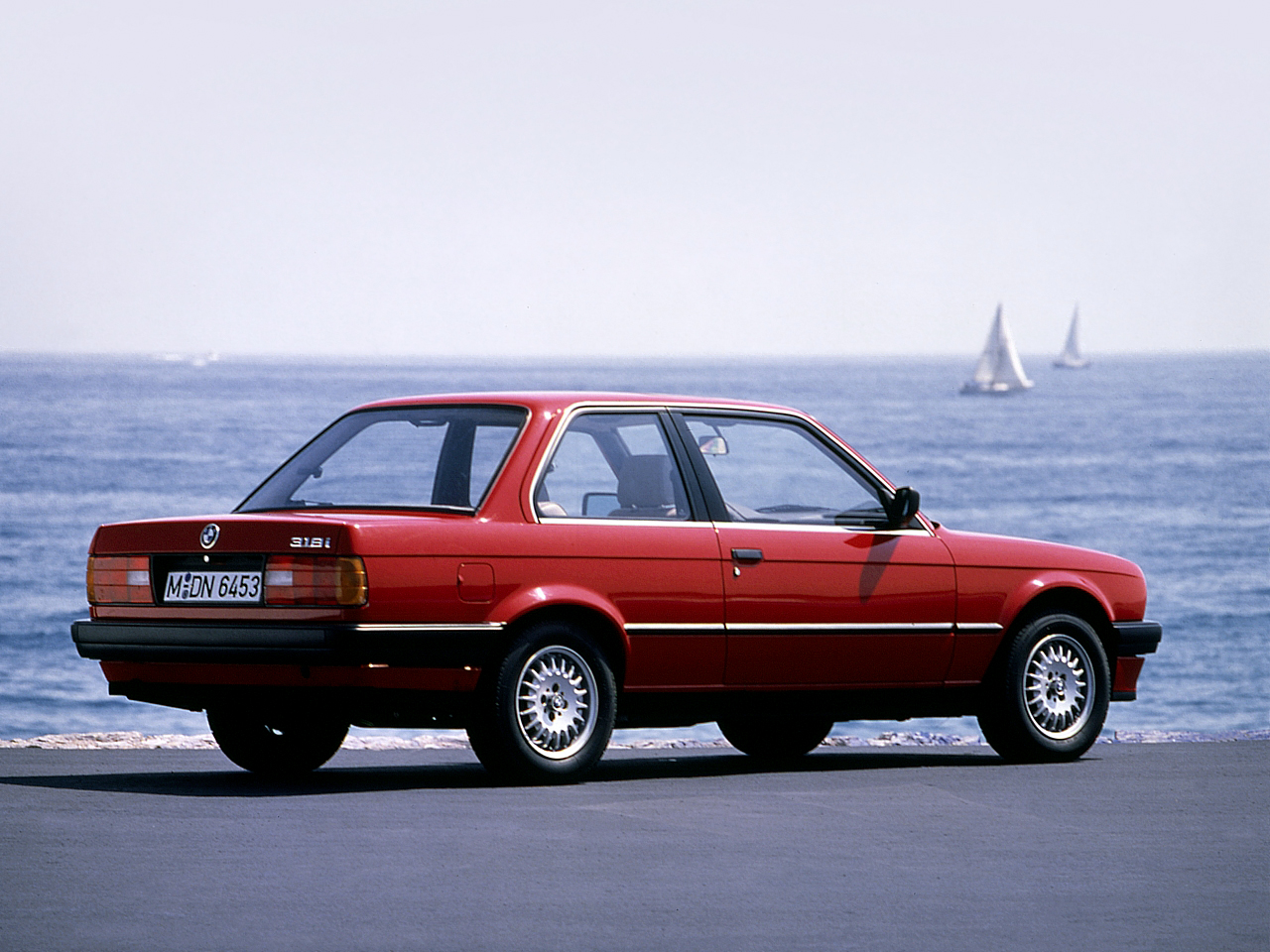 BMW 3 series 318i 1982 photo - 4