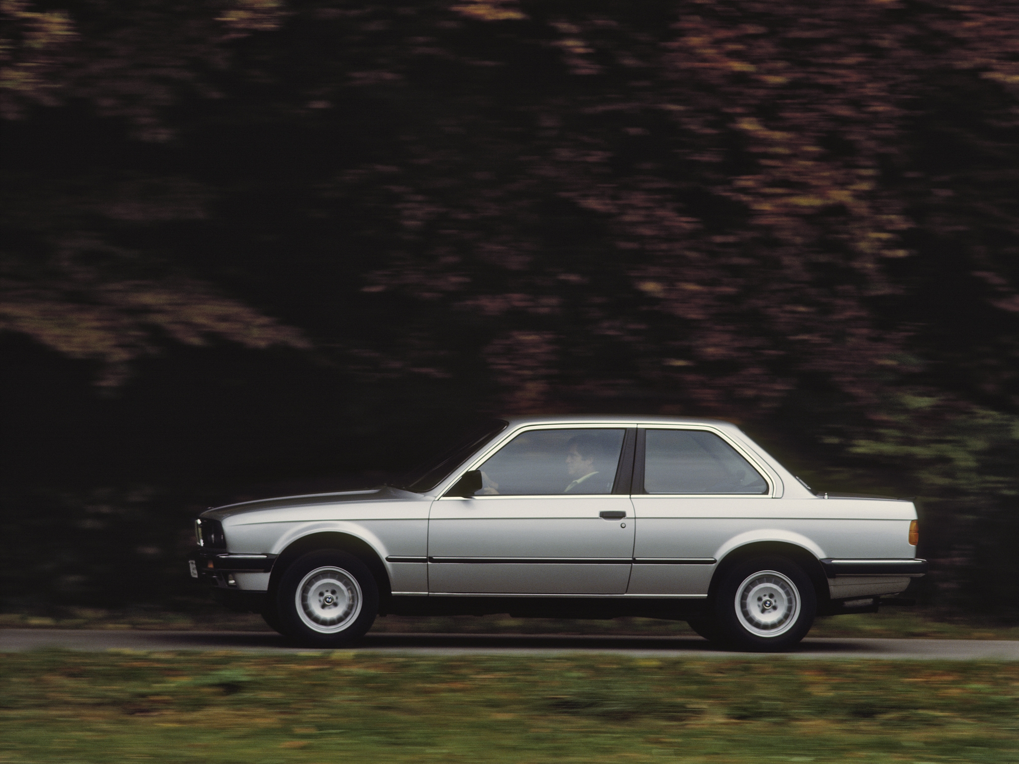 BMW 3 series 318i 1982 photo - 7