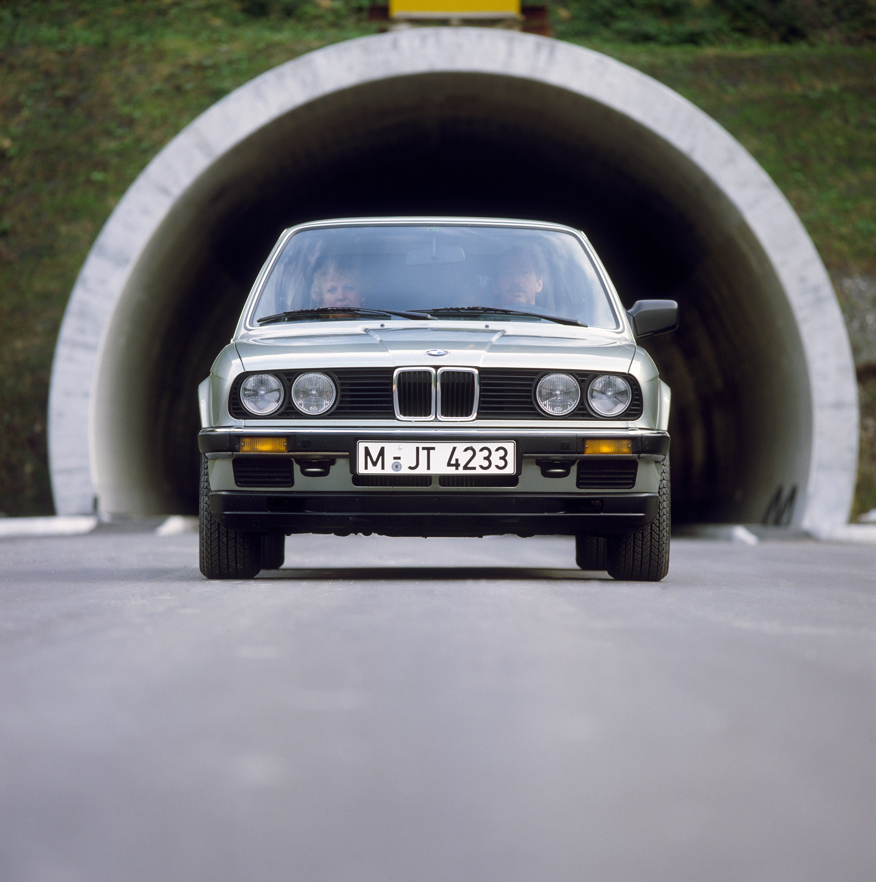 BMW 3 series 318i 1982 photo - 8