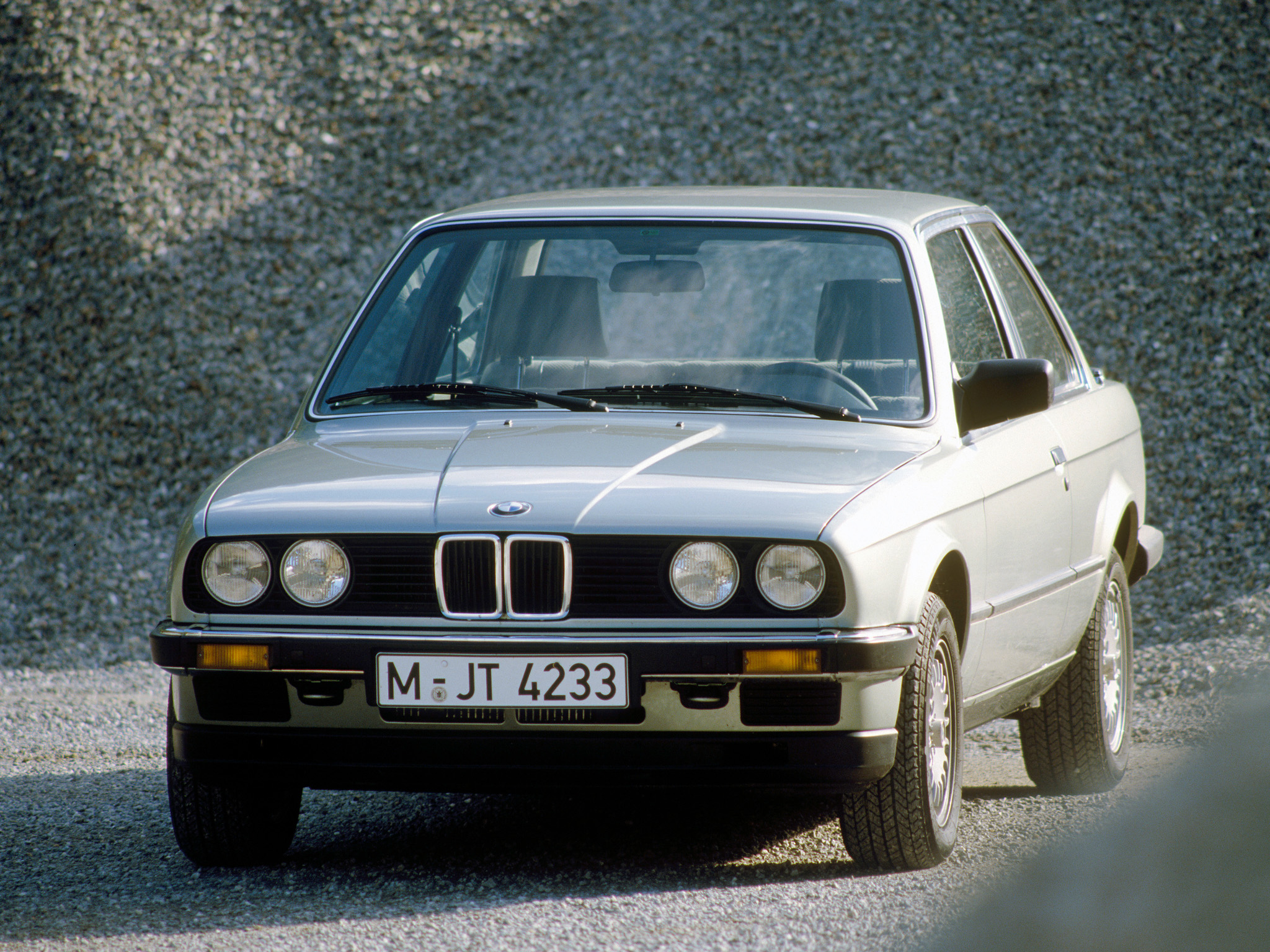 BMW 3 series 318i 1983 photo - 10
