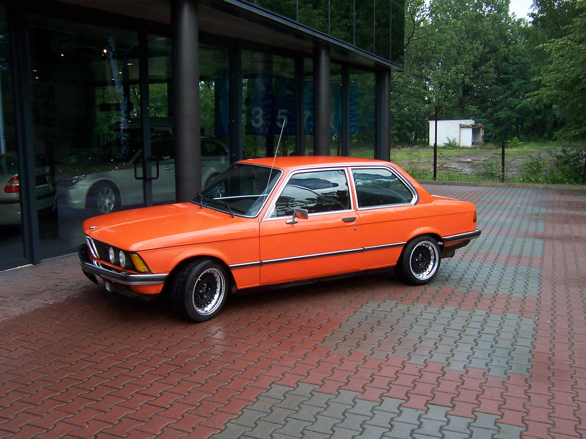 BMW 3 series 318i 1983 photo - 4