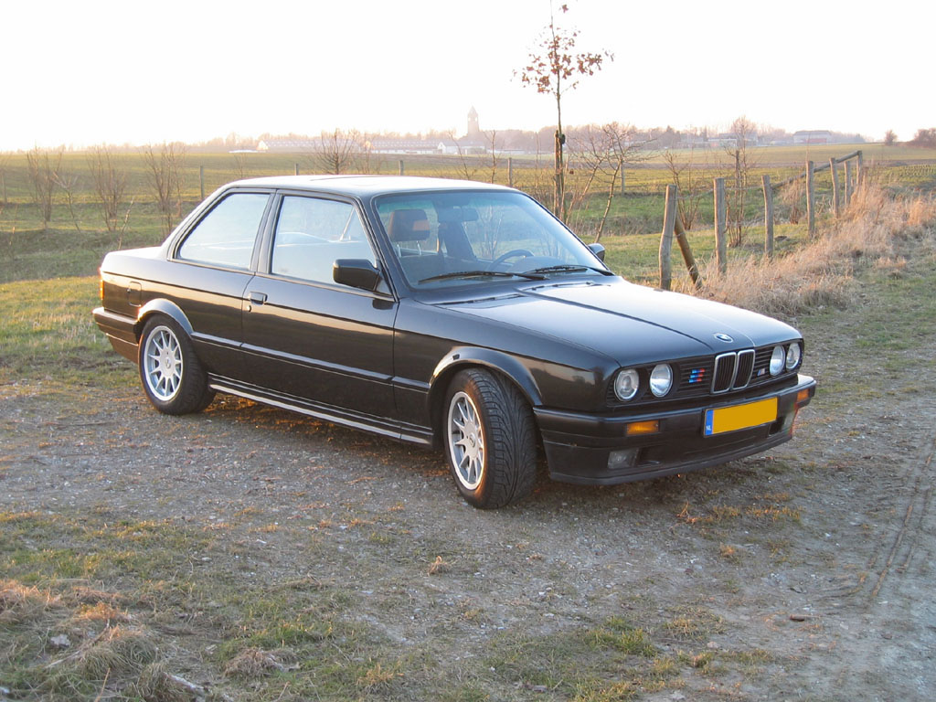 BMW 3 series 318i 1983 photo - 7