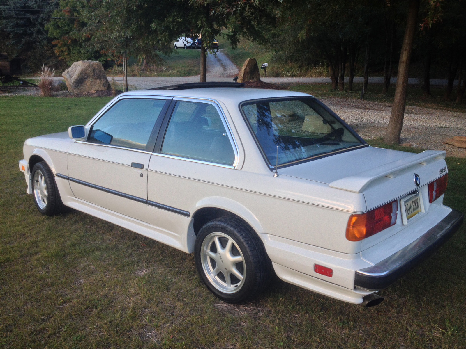 BMW 3 series 318i 1984 photo - 10
