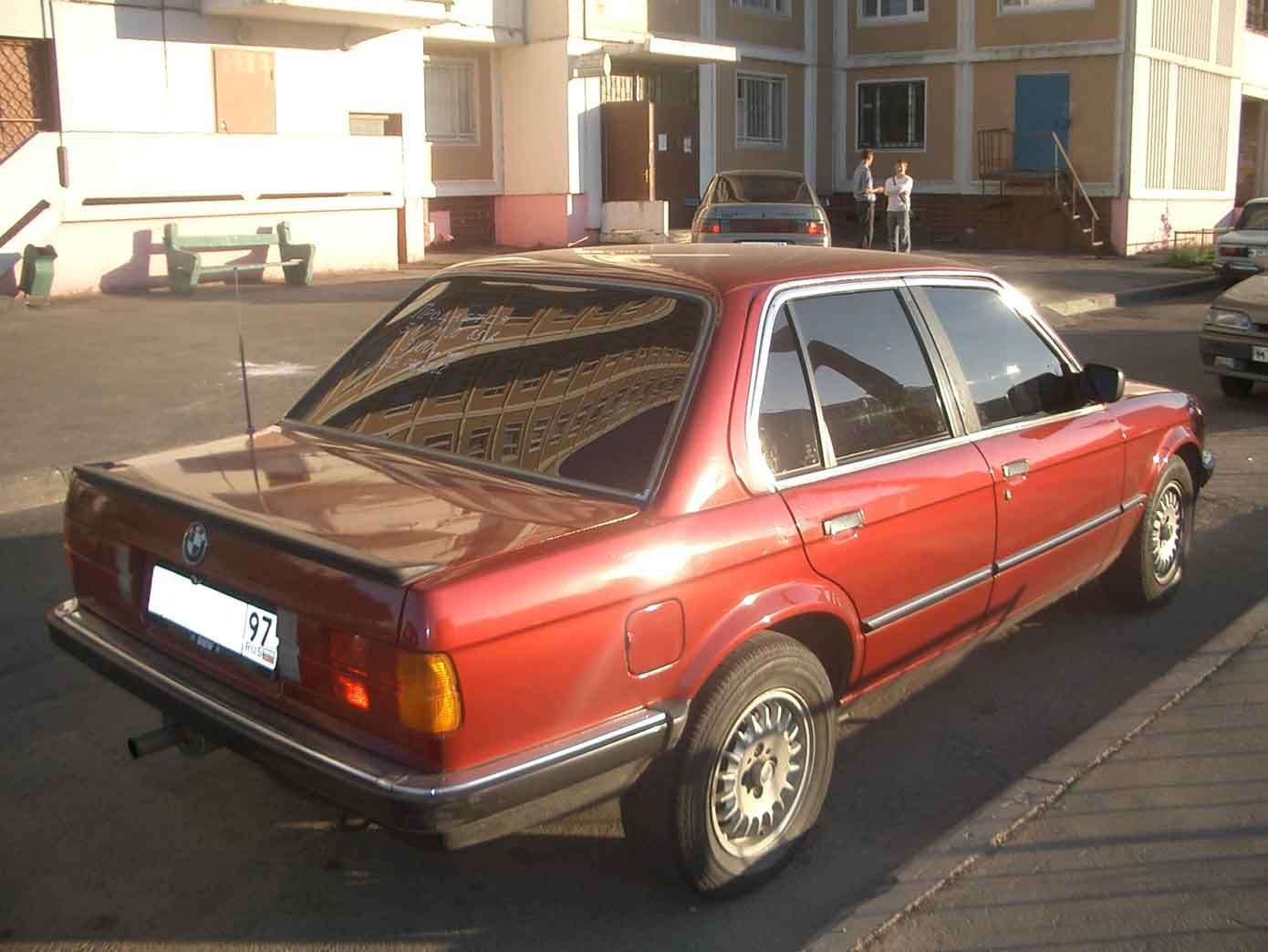 BMW 3 series 318i 1985 photo - 4
