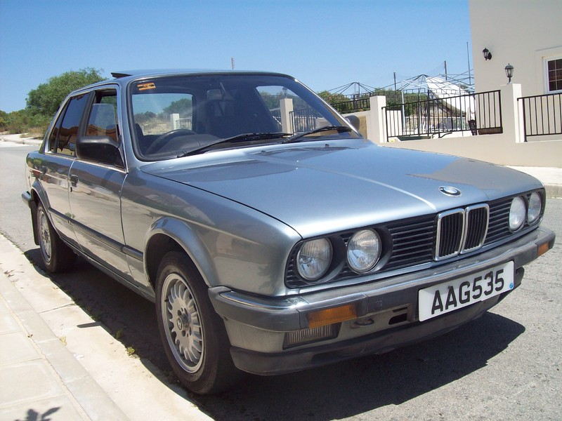BMW 3 series 318i 1985 photo - 7