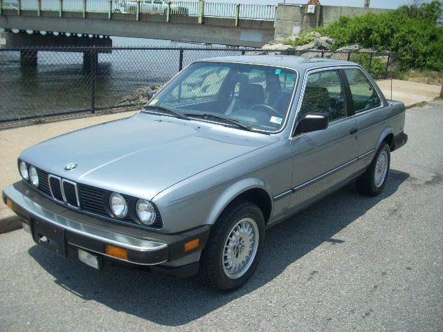 BMW 3 series 318i 1985 photo - 9