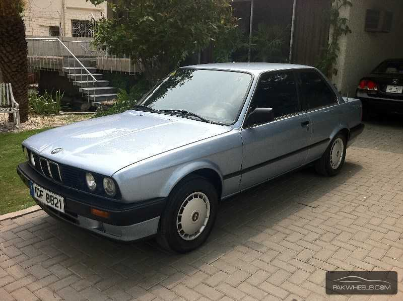 BMW 3 series 318i 1990 photo - 1