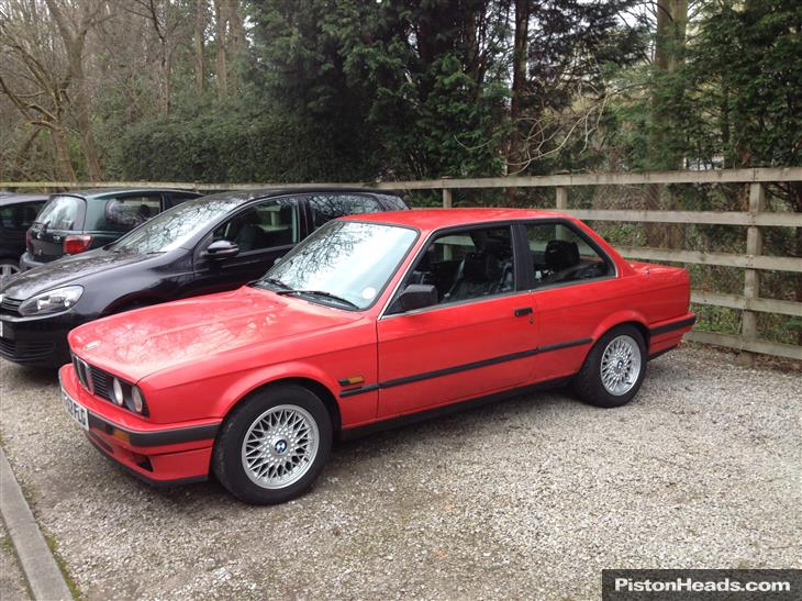 BMW 3 series 318i 1990 photo - 4