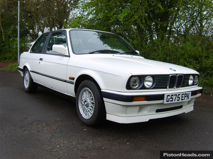 BMW 3 series 318i 1990 photo - 7
