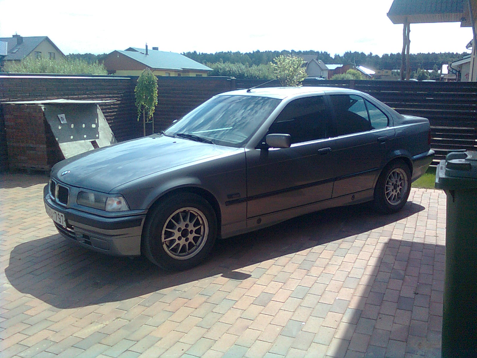 BMW 3 series 318i 1991 photo - 1
