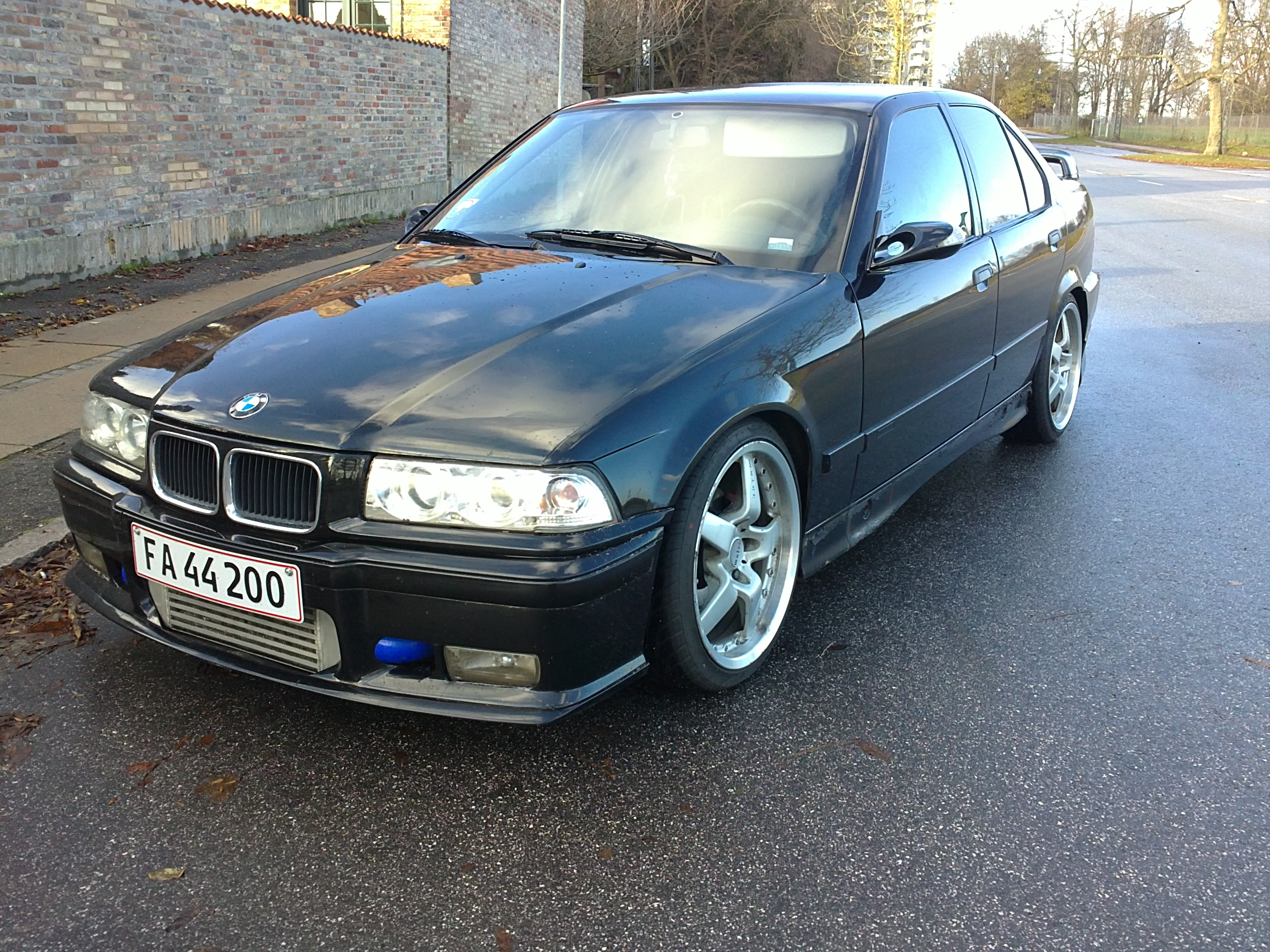 BMW 3 series 318i 1991 photo - 11