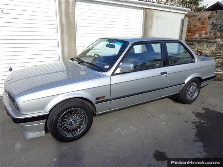 BMW 3 series 318i 1991 photo - 4
