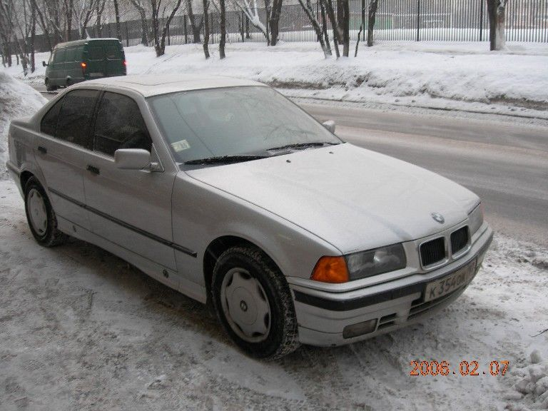 BMW 3 series 318i 1991 photo - 8
