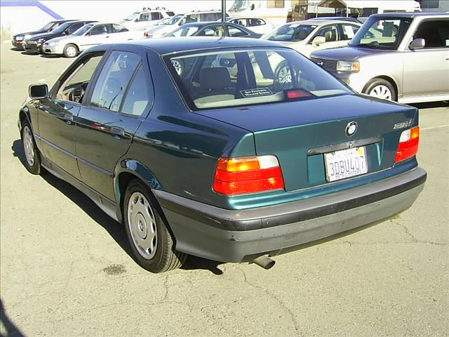 BMW 3 series 318i 1993 photo - 3