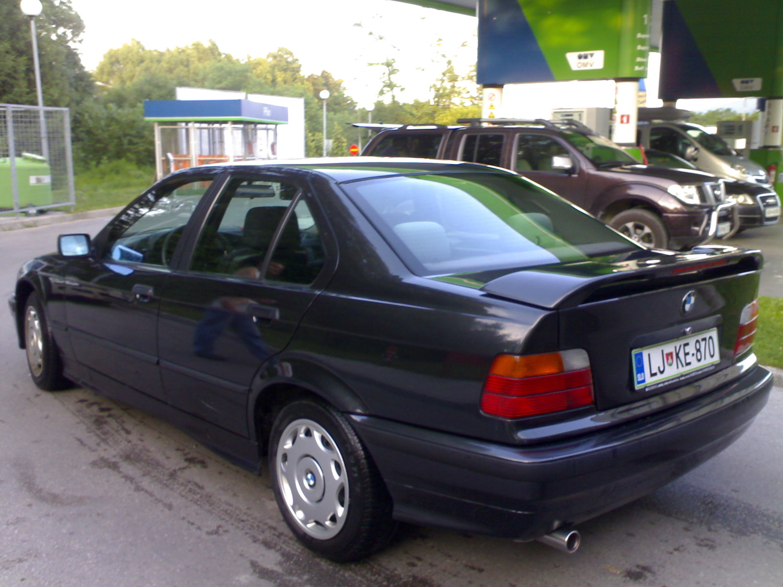 BMW 3 series 318i 1993 photo - 8