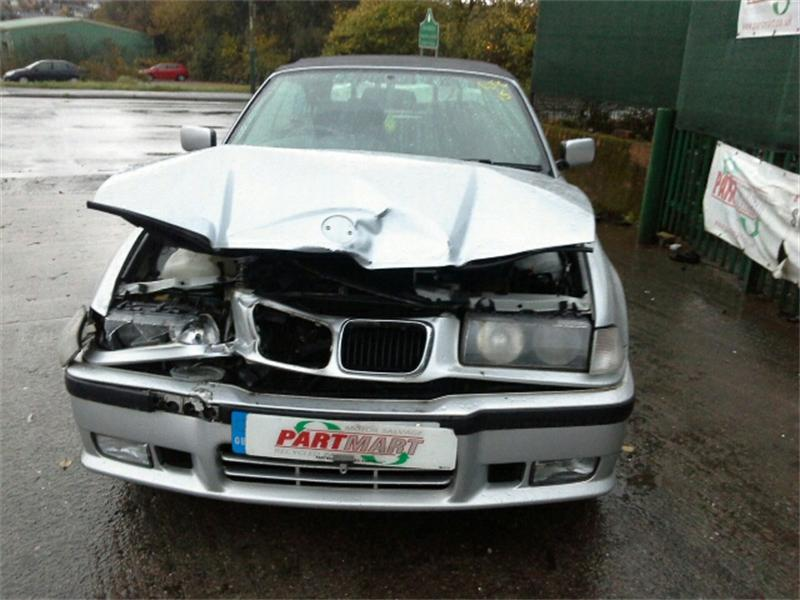 BMW 3 series 318i 2000 photo - 10