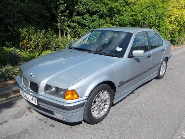 BMW 3 series 318i 2000 photo - 6