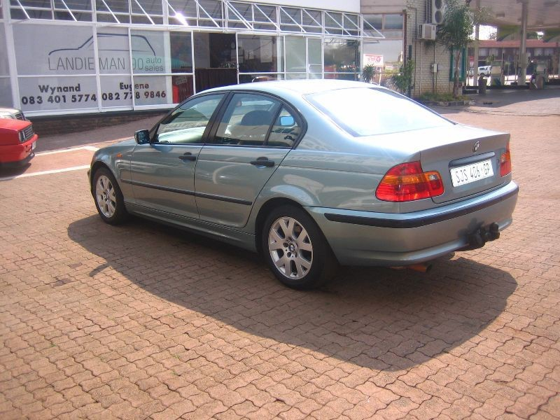 BMW 3 series 318i 2002 photo - 11